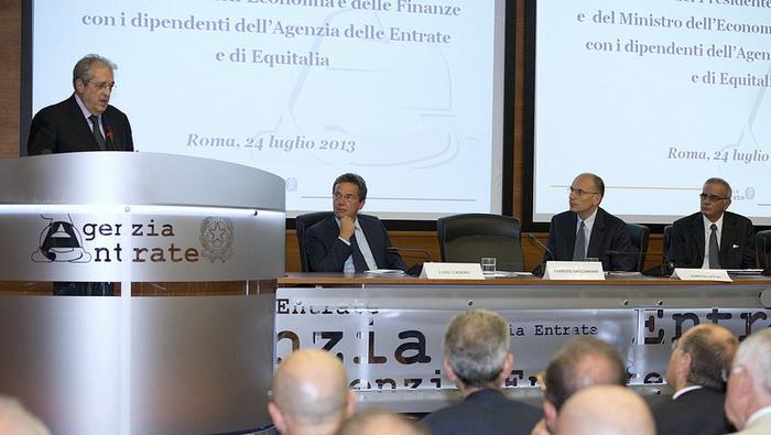 Министр экономики и финансов Фабрицио Саккоманни считает: рецессия в Италии заканчивается. Фото: Palazzo Chigi/flickr.com