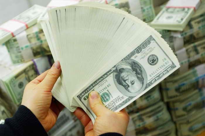 Самые богатые люди мира в 2013 году стали ещё богаче. Фото: Chung Sung-Jun/Getty Images