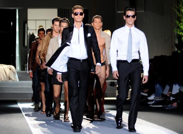 Мужская коллекция DSquared2  весна-лето 2011 на милансой Неделе моды. Фото: Stefania DAlessandro/Getty Images