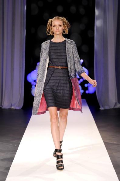 Дизайнерская коллекция Bensoni  Весна-2011 на Неделе моды Mercedes-Benz в Нью-Йорке. Фото: Bryan Bedder/Getty Images for IMG