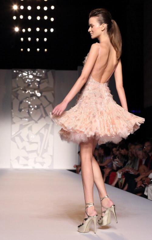Коллекция вечерних платьев Абеда Махфуза на показе AltaRoma AltaModa A/W 2012 в Риме. Часть 1. Фоторепортаж. Фото: Villa/Getty Images