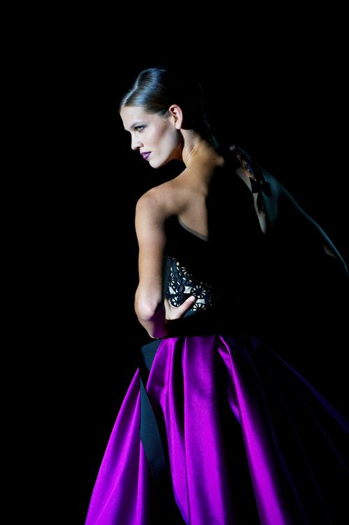 Коллекция от Hannibal Laguna на показе Mercedes-Benz Fashion Week в Мадриде. Фоторепортаж. Фото: Carlos Alvarez/Getty Images