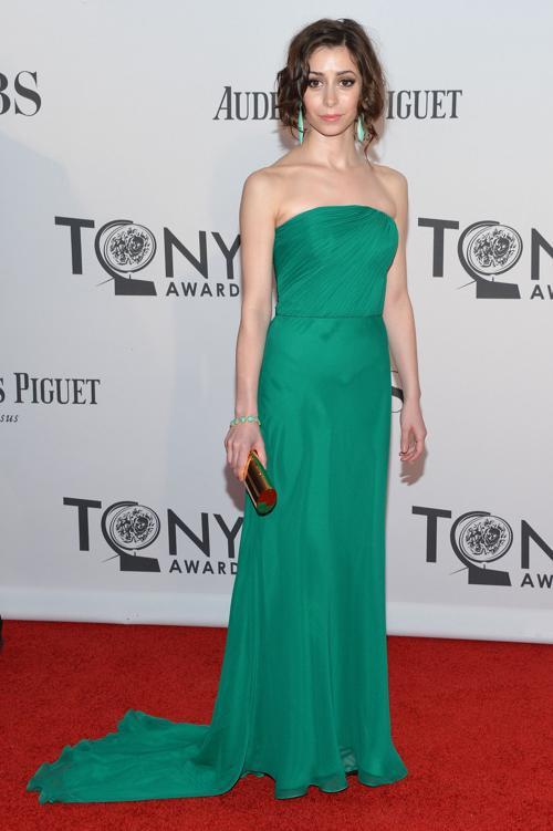 Наряды знаменитостей на церемонии награждения 66th Annual Tony Awards. Cristin Milioti. Фоторепортаж. Фото: Mike Coppola/Getty Images