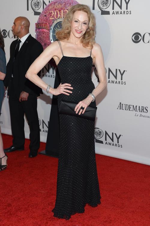 Наряды знаменитостей на церемонии награждения 66th Annual Tony Awards. Jan Maxwell. Фоторепортаж. Фото: Mike Coppola/Getty Images