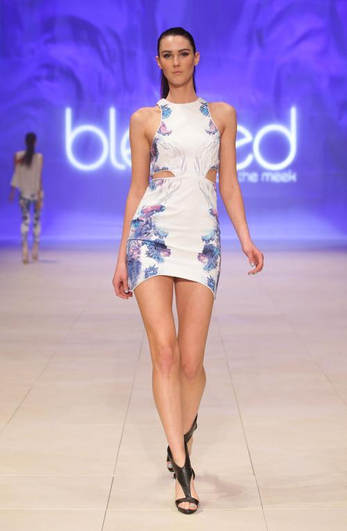 Платья из коллекции Roopa Pemmaraju на Mercedes-Benz Fashion Festival 2012 в Сиднее. Часть 2. Фоторепортаж. Фото:  Lisa Maree Williams / Getty Images