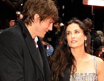 Деми Мур и Эштон Катчер решили развестись. Фото с сайта fivenews.ru