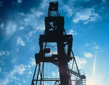 Нефтяная вышка. Фото из архива РИА Новости