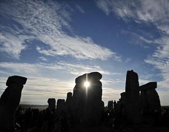 Стоунхендж, древний мегалитический памятник на юге Англии, построенный около 5000 лет назад. Фото: Carl Court/Getty Images