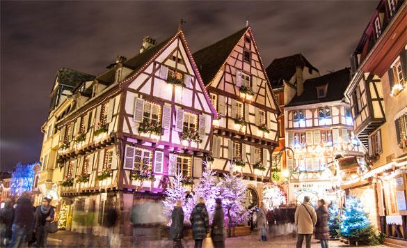 Рождественский базар Кольмара является, безусловно, самым красивым во Франции. Фото: © Alexi TAUZIN — Fotolia.com