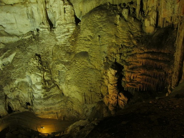Внутри Эмине-Баир-Хосар (Мамонтовой). Фото с сайта astrotourist.info