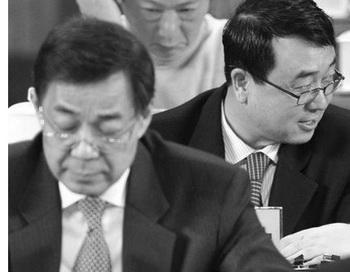 Бо Силай (слева) и Ван Лицзюнь (справа). Фото: фотоархив Epoch Times