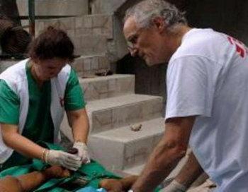 Этот врач борется со смертью в Сирии: Пол МакМастер. Фото: bild.de