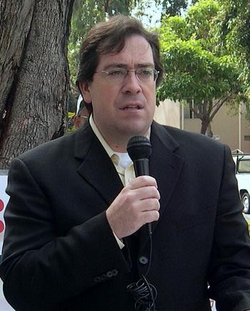 Адам Чарльз в 2004 году. Фото с сайта theepochtimes.com