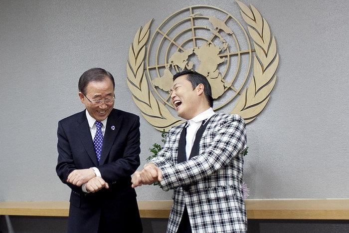 Генеральный секретарь ООН Пан Ги Мун (L) и Пако Чэ Сан (R). Фото: Allison Joyce/GettyImages