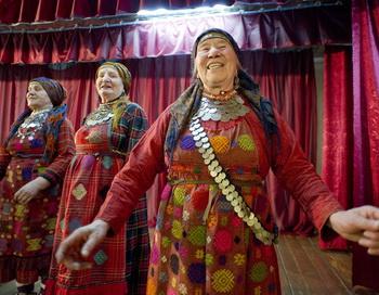 «Бурановские бабушки» начали активно готовиться к международному конкурсу «Евровидение-2012». Фото: Natalia Kolesnikova/AFP/Getty Images
