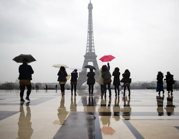 Франция остаётся самой красивой и гостеприимной страной мира для иностранных туристов. Фото:Fped Dufour/AFP/Getty Images
