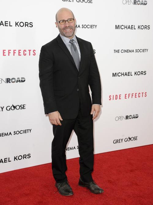 Скотт З. Бернс на премьере фильма «Побочные эффекты» в Нью-Йорке, 31 января 2013 года. Фото: Dave Kotinsky / Getty Images