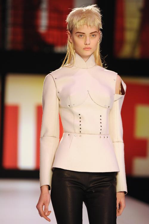 Жан-Поль Готье представил новую коллекцию на Неделе моды в Париже. Фото: Pascal Le Segretain/Getty Images