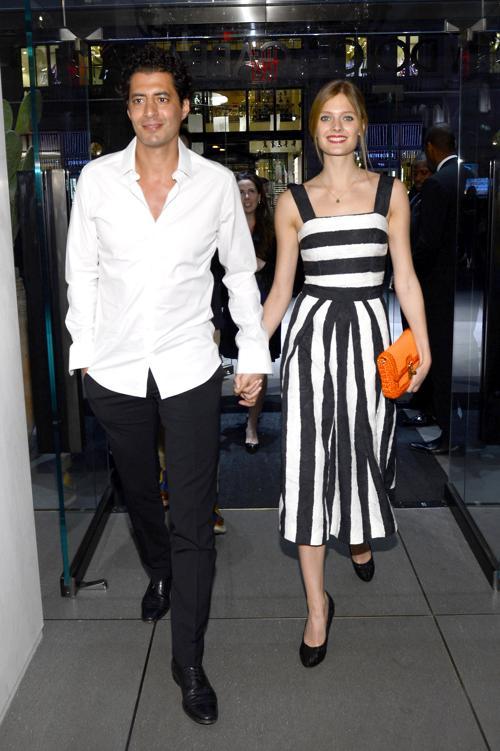 Имад Иземран и модель Констанс Яблонски на открытии флагманского бутика Dolce & Gabbana на Пятой Авеню в Нью-Йорке. Фото:  Larry Busacca/Getty Images for Dolce&Gabbana