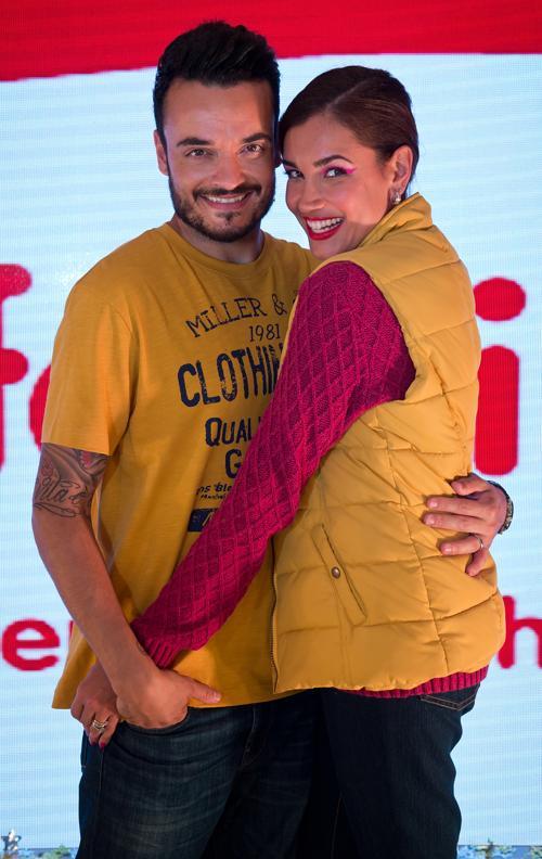Модель Яна Инна Зарелла и её муж певец Джованни Зарелла представили новую коллекцию немецкого бренда Ernstings Family в Мюнхене 10 июля 2013 года. Фото: Joerg Koch/Getty Images