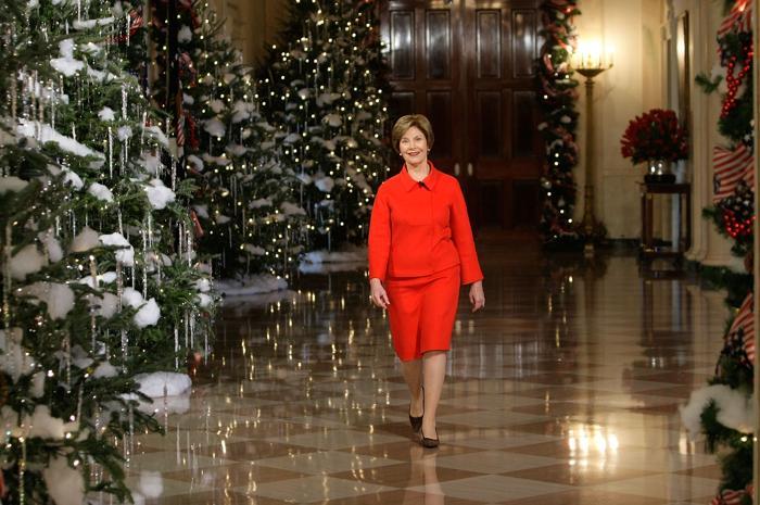 Первая леди США Лора Буш в Белом доме, 3 декабря 2008 года, Вашингтон. Фото: Alex Wong/Getty Images