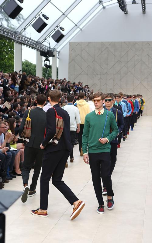 Дом моды Burberry Prorsum представил первую свою мужскую коллекцию летнего сезона 2014 года в Лондоне. Фото: Tim P. Whitby/Getty Images