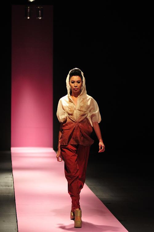 Дух Азии представили филиппинские дизайнеры в Маниле. Фото: Veejay Villafranca/Getty Images