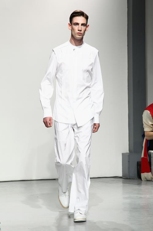Коллекция бренда 22/4 Hommes-Femmes на неделе моды в Париже. Фото: Julien M. Hekimian/Getty Images