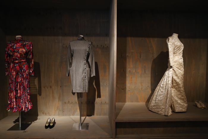 Платья в Музее дизайн,. Лондон, 29 января 2013 года. Фото: Dan Kitwood / Getty Images