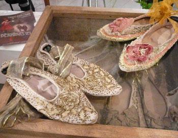 Балетные туфельки, расшитые кружевом и бисером. Фото: Антонина Горбачева. Великая Эпоха (The Epoch Times)