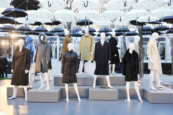 Коллекция   Allegri  на Неделе моды Mercedes Benz Fashion Week 2011, 16 февраля 2011,  Нью-Йорк.  Фото: Stefan Gosatti/Getty Images
