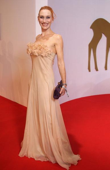 Наряды гостей на церемонии награждения немецкой национальной премией Bambi Awards 2010. Фото: Andreas Rentz/Getty Images
