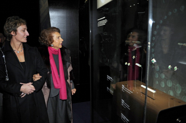 Выставка ювелирных изделий Bulgari, 9 декабря 2010 года, Париж, Франция. Фото: FRANCK FIFE/AFP/Getty Images