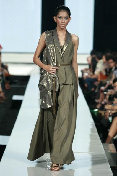 Джакарта: Неделя моды 2010 . Фото: Ulet Ifansasti/Getty Images for Jakarta Fashion Week