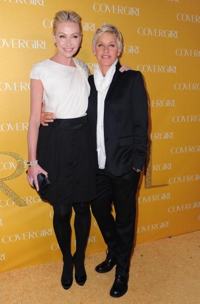Наряды гостей на 50-ей юбилейной встрече CoverGirl, 5 января 2011, Западный Голливуд, Калифорния.   Фото: Alberto E. Rodriguez/Getty Images