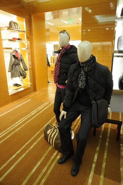 Бутик Louis Vuitton, 14 декабря 2010,  Атланта, Джорджия. Фото: Rick  Diamond/Getty Images for Vogue