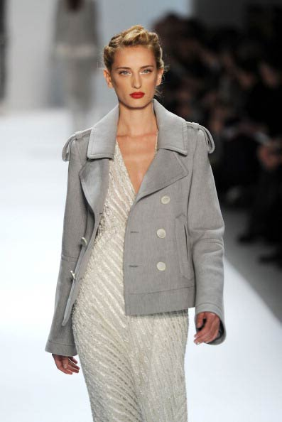 Коллекция  Нанетт Лепор на Неделе моды Mercedes Benz Fashion Week 2011, 16 февраля 2011,    Линкольн-центр, Нью-Йорк. Фото:  Frazer Harrison/Getty Images
