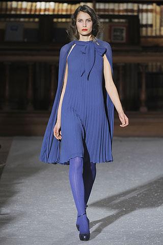 Синий цвет одежды. Фото: femina.by