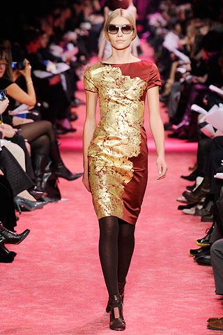 Золотой цвет одежды. Фото: femina.by
