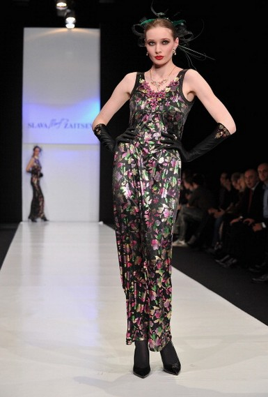 Коллекция Вячеслава Зайцева на Mercedes-Benz Fashion Week 2011: неделя моды в Москве, 31 марта 2011, Россия.  Фото:  Le Segretain/Getty Images