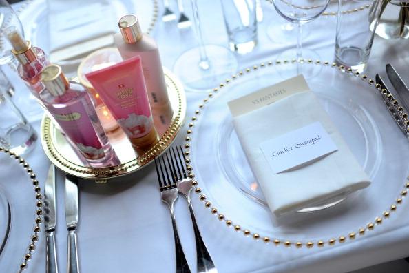 Фоторепортаж со званого обеда в честь открытия новой коллекции парфюмерии Victorias Secret Bombshell. Фото: Charley Gallay/Getty Images