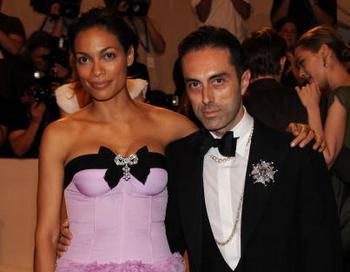 Джамбаттиста Валли и актриса Розарио Доусон. Фото: Larry Busacca/Getty Images Entertainment