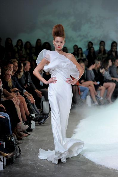 Фоторепортаж. Коллекция Bowie на Австралийской неделе моды весна-лето 2011/12. Фото: Brendon Thorne/Getty Images Entertainment