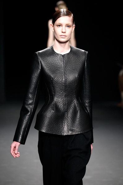 Модная одежда из коллекции Calvin Klein  осень 2012 на Mercedes-Benz Fashion Week. Фото: Peter Michael Dills/Getty Images