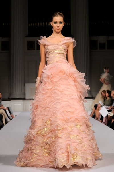 Коллекция Elie Saab, весна-лето 2011.Фото: Pascal Le Segretain/Getty Images