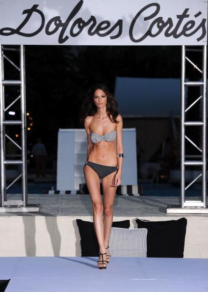 Фоторепортаж. Показ коллекции купальников бренда  Dolores Cortes на Неделе моды Mercedes-Benz Fashion Week Swim 2011. Фото: Frazer Harrison/Getty Images Entertainment