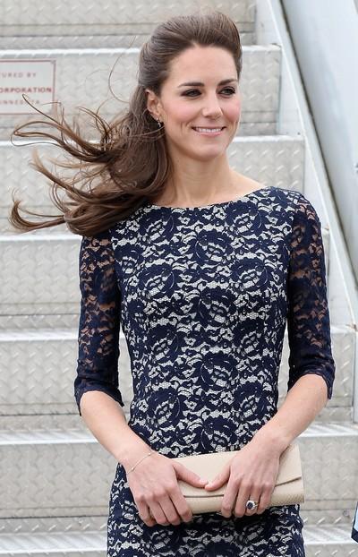 Фоторепортаж. Кейт Миддлтон в платье Erdem Resort 2012. Фото: John Stillwell-Pool/Getty Images