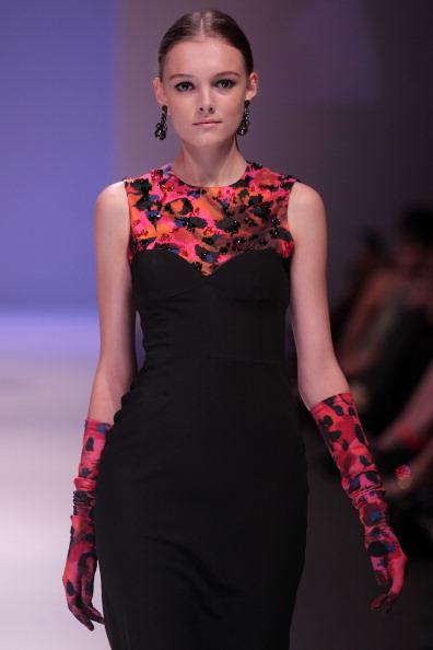 Фоторепортаж: Фестиваль моды Audi Fashion Festival 2011 в Сингапуре: Показ коллекции Erdem. Фото: Lisa Maree Williams/Getty Images Entertainment