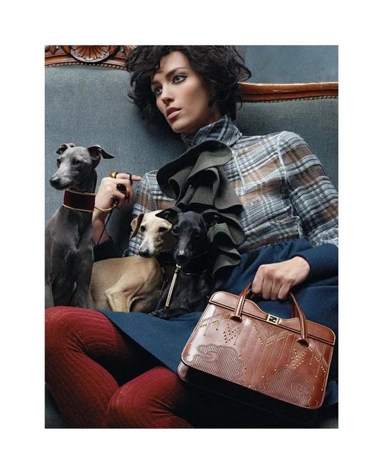 Рекламная кампания Fendi сезона осень/зима 2011-2012. Фото предоставлено AbNovki