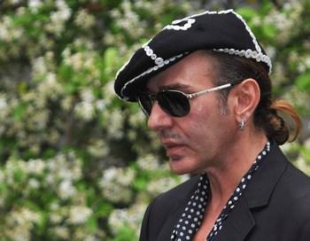 Джон Гальяно уволен из дома Dior. Фото: Pascal Le Segratain/Getty Images